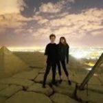 ピラミッドの頂上でカップル抱擁の動画!デンマーク写真家は誰?