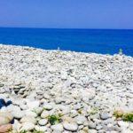 秋の一人旅オススメ!鳥取県花見海岸「鳴り石の浜」と「みささ美術館」|女性・国内